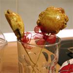 Obuolių pyragiukai ant pagaliuko