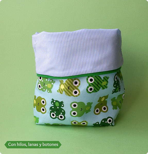 Cesta de tela reversible con hilos lanas y botones - Cestos de tela ...