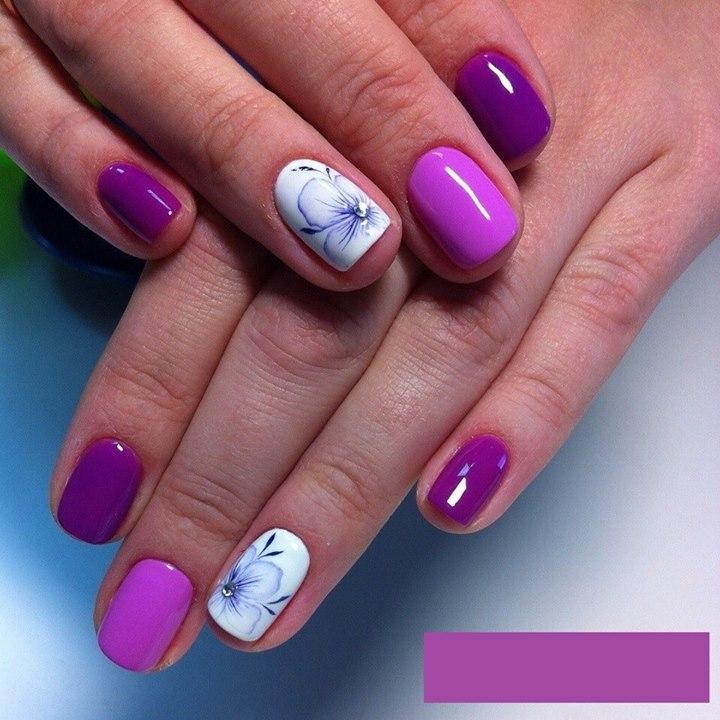 Floral Rhinestones Nail art | Nails
