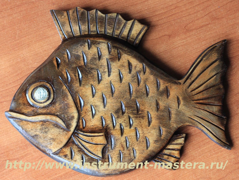 Резное деревянное панно рыба