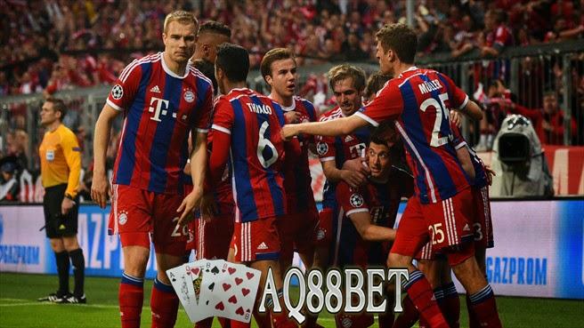 Agen Bola - Berakhir sudah musim kompetisi 2014/2015 bagi Arjen Robben, pemain asal Belanda tersebut yang divonis tak bisa tampil membela Bayern Muenchen di sisa pertandingannaya. Bayern Muenchen  pun