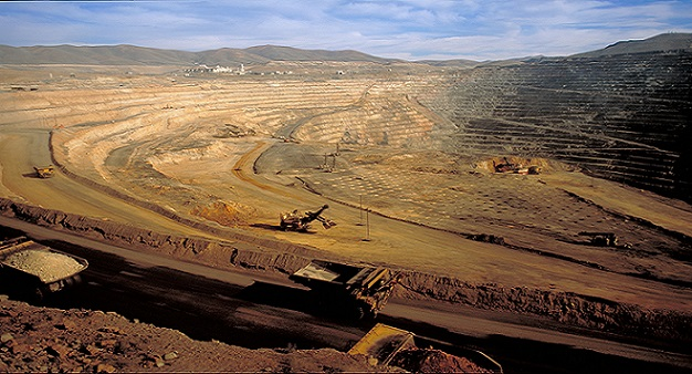barrick gold and the mine at Nem data by ycharts barrick gold barrick and newmont are two miners with a similar market cap, but very different strengths and weaknesses (honestly they may benefit from a merger.