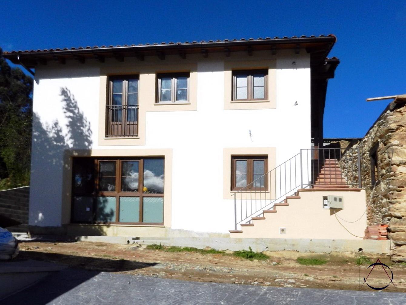 Ac arquitectos casa de madera y piedra en asturias - Casa de madera y piedra ...