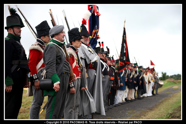revu des troupes lors de la Reconstitution du bicentenaire du siège de rocroi