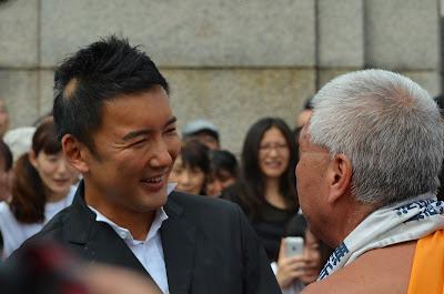 山本太郎さんとマック赤坂さん 3-初当院