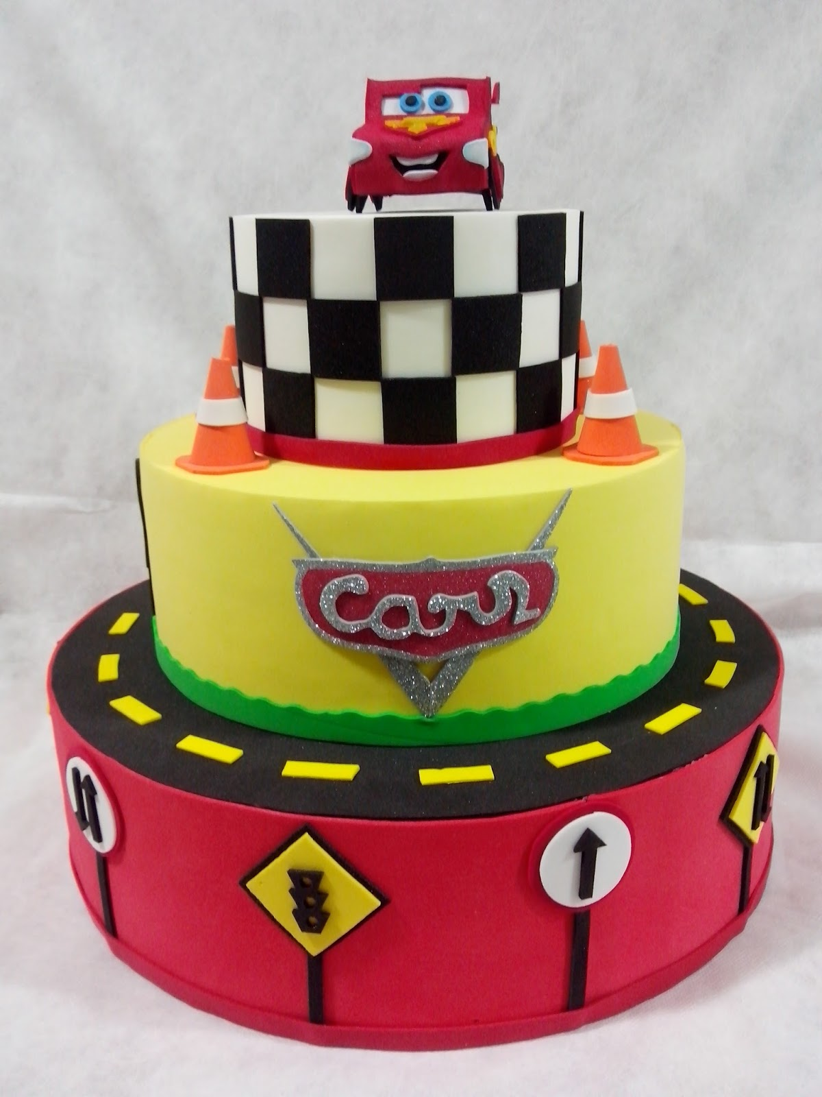 Cake Design Passo A Passo : Festa Carros Disney - Bolos ~ Mamae festeira blog