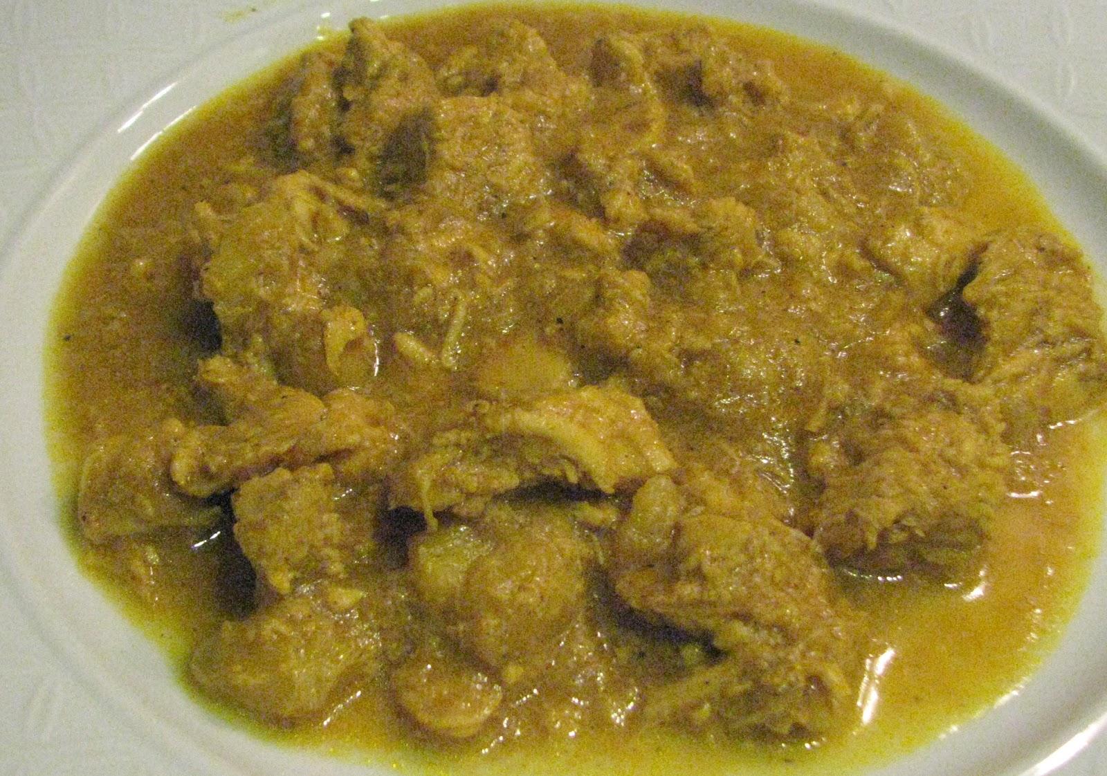 Tay dilinde tavuk. Tayland kaju ile tavuk