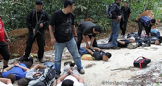 2 Gambar 12 anggota militan IS Malaysia ditangkap