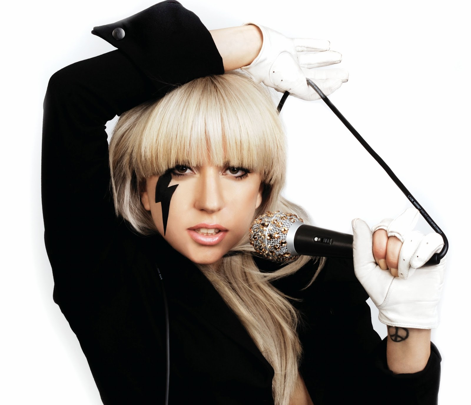 http://4.bp.blogspot.com/-h1voiGtpYBs/T9alzPwlAsI/AAAAAAAADow/8Mux1rNfkRI/s1600/Lady-Gaga-Piccol+(3).jpg