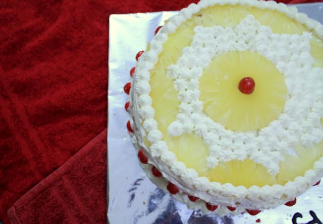 Pineapple pastry, cake