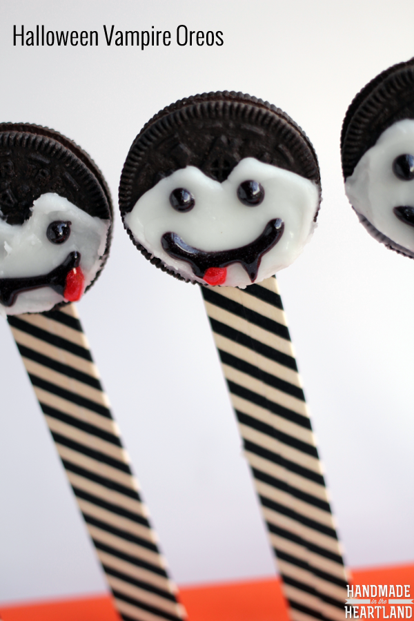 Halloween Snacks: Vampire Oreos #SpookySnacks #shop