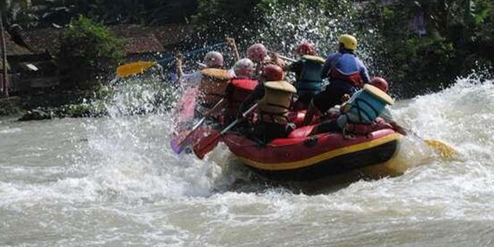 Hasil gambar untuk rafting sungai citarum