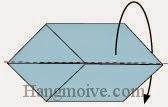 Bước 6: Gấp đôi cạnh giấy về phía mặt đằng sau.