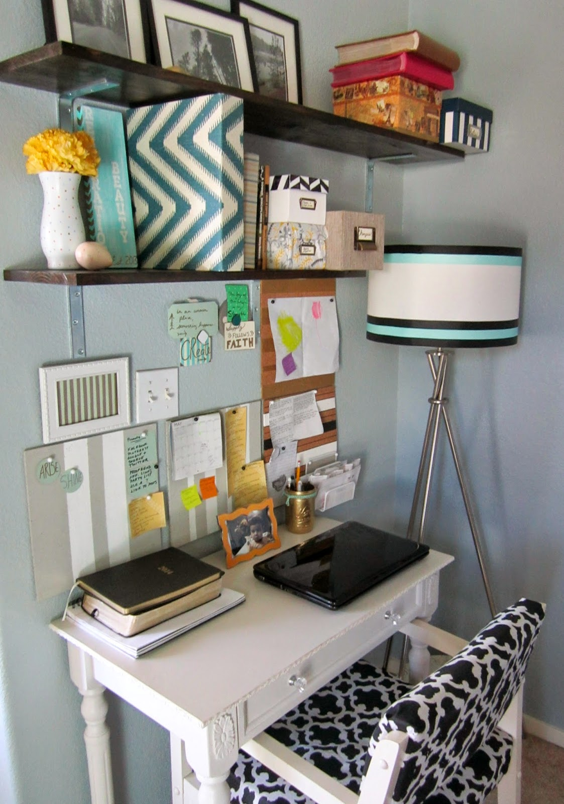 How To Organize A Small Office/Work Space {Tips U0026 Tricks}
