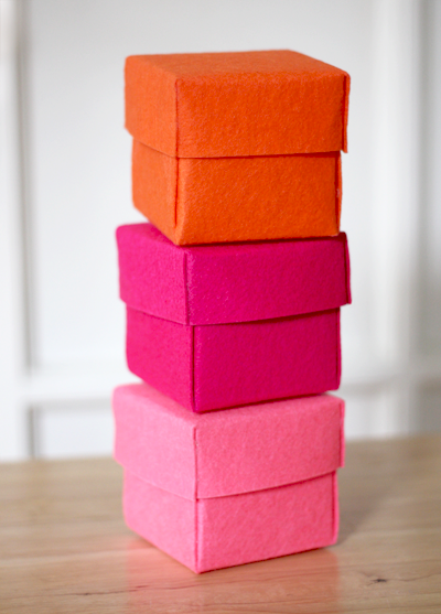 DIY,tutorial,caja,box,fieltro,felt,rosa,fucsia,naranja,fuchsia,orange,square,cuadrado