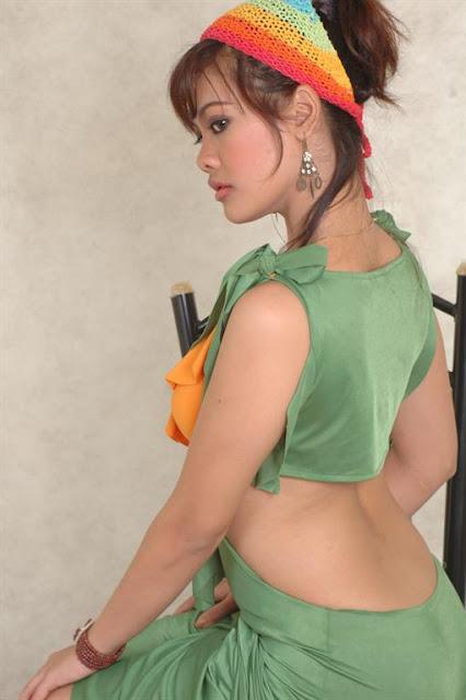 Foto Hot Model Kiki Faral yang Menggoda Birahi ( BB+17 )