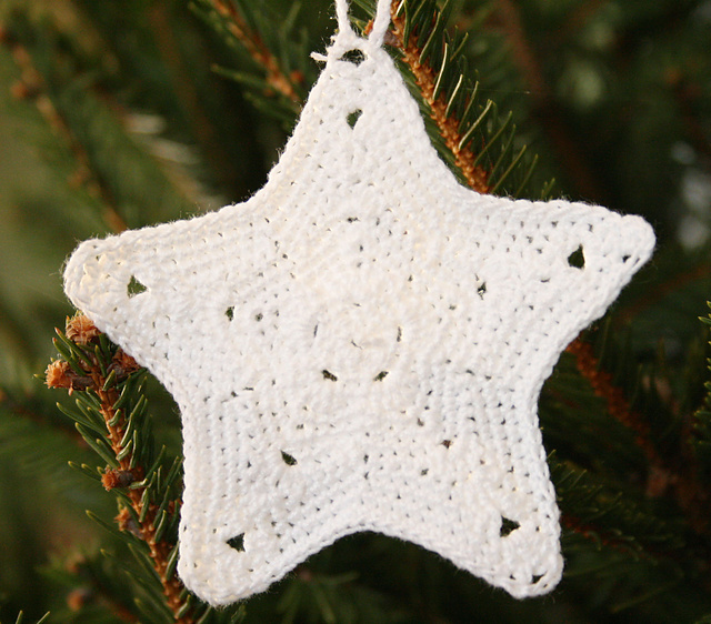 Free Crochet Pattern Christmas Star : Tampa Bay Crochet: Five Free Crochet Star Patterns