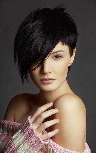 Short Hairstyles For Women With Round Faces