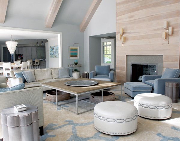 Beach house in hamptons interiors and design less ordinary for Hamptons beach house interiors