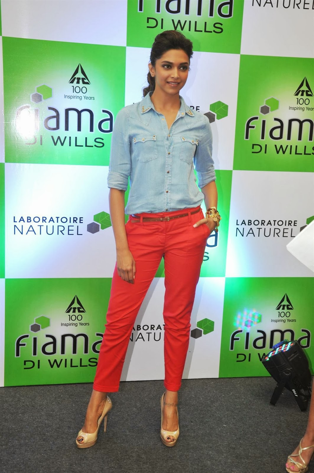 Deepika Padukone hot in blue and red tight pant - HIGH ...
