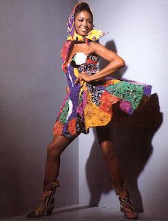 bbnaomicampbell199203vegn6 Beauty Flashback | Naomi Campbell for Versace Atelier