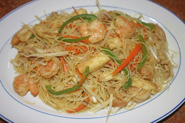 ... : Cooking with Camissonia: Singapore-Style Curry Rice Stick Noodles