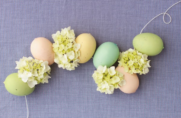 http://www.papernstitchblog.com/2014/03/12/make-this-diy-easter-egg-hydrangea-garland-how-to/