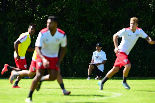 Osorio se sente pressionado a fazer o São Paulo render mais contra o Ceará (foto: Sergio Barzaghi/Gazeta Press)