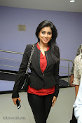 Shriya Sarana Photos at Minugurulu website launch-thumbnail-2