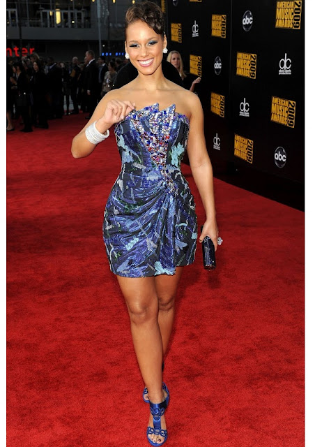celebrity heights how tall are celebrities heights of celebrities how tall is alicia keys. Black Bedroom Furniture Sets. Home Design Ideas