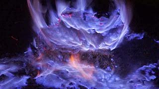 PAKET WISATA BLUE FIRE KAWAH IJEN BANYUWANGI