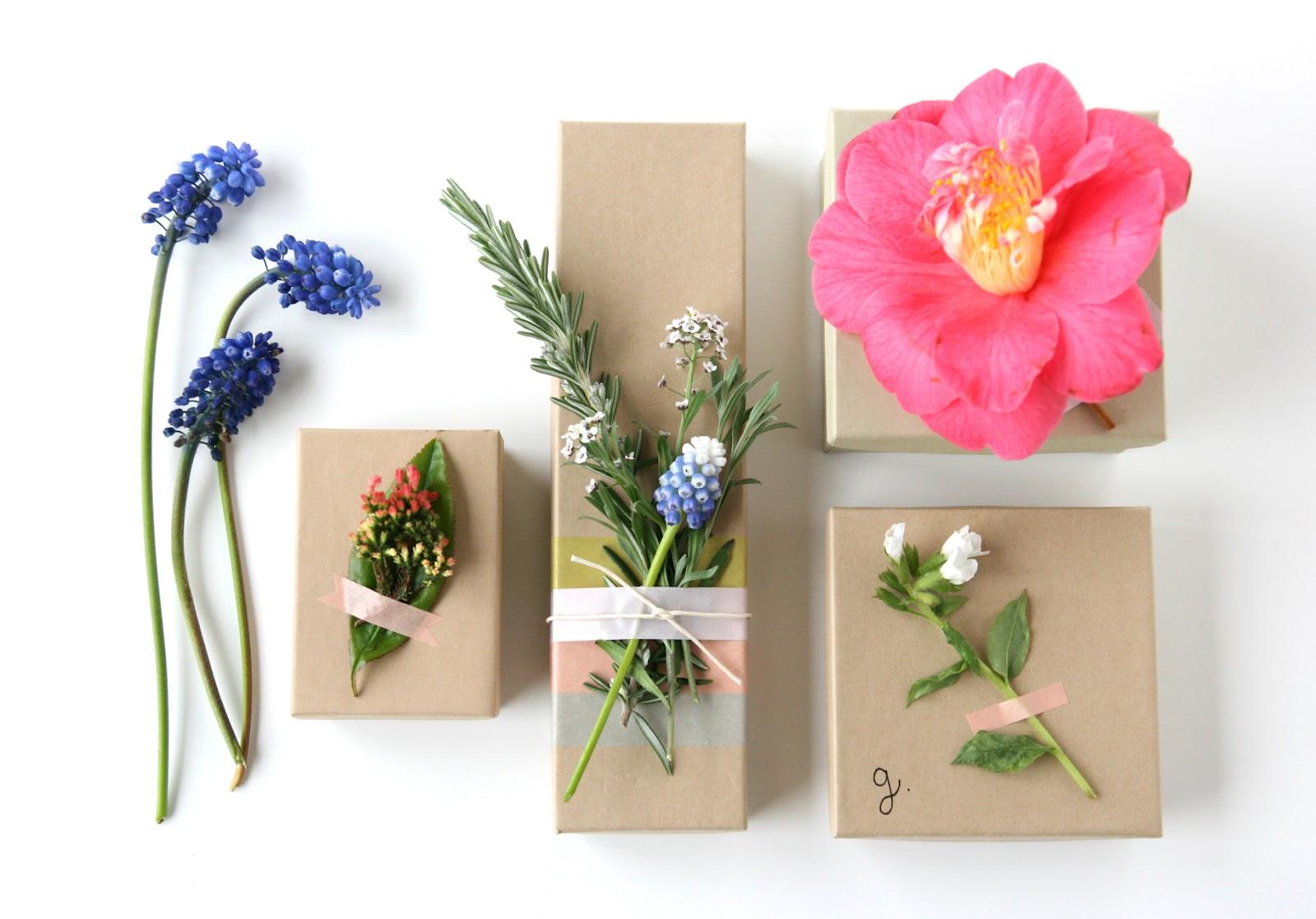 Цветы для украшения подарков своими руками