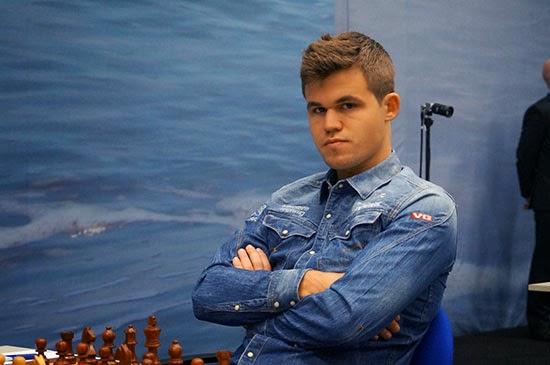 Echecs : Magnus Carlsen (2862) a perdu ronde 3 face au Polonais Radoslaw Wojtaszek (2744) puis gagné ronde 4 contre Loek Van Wely (2667) - Photo © Alina L'Ami