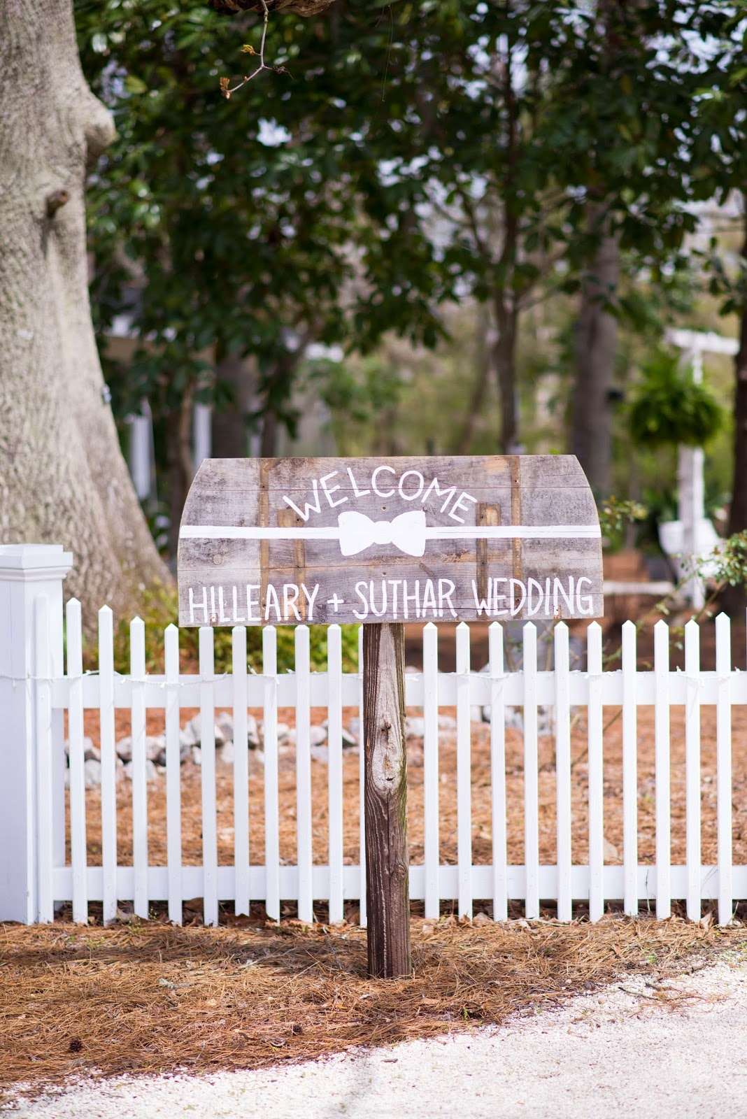 Custom wooden welcome signs for weddings