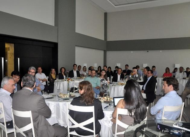 http://www.blogdofelipeandrade.com.br/2015/09/economia-associacao-de-empresas-de.html