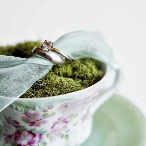 поставка за халки в чаена чашаю