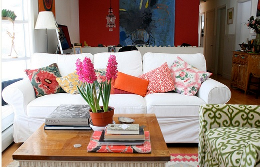 Lifestyle In Blog Home Decor With Mixed Prints
