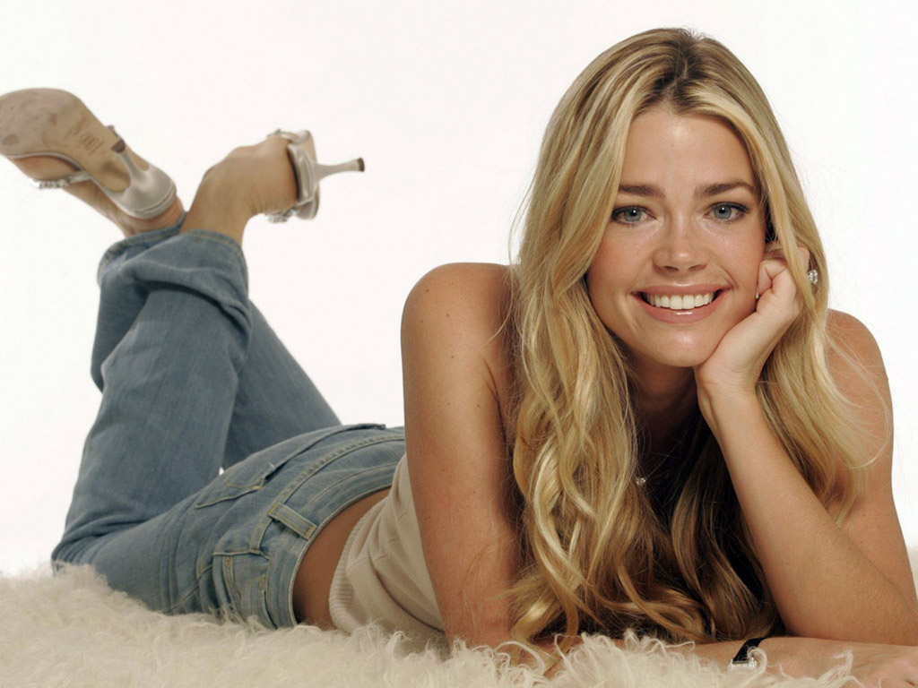 denise richards 1920x1200 wallpapers - photo #13