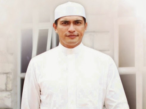 Tunai Haji Umrah Tidak Halang Saya Untuk Lakon Adegan Panas Ranjang Adi Putra