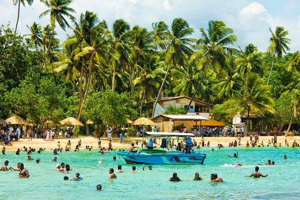 Unawatuna Sri Lanka  city images : Unawatuna Beach in Sri Lanka 1