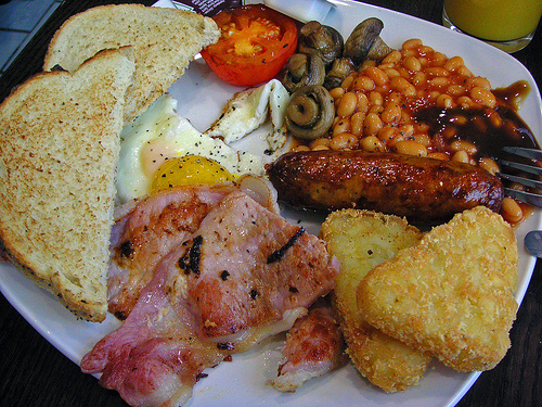 full english breakfast a traditional full english breakfast is a meal ...