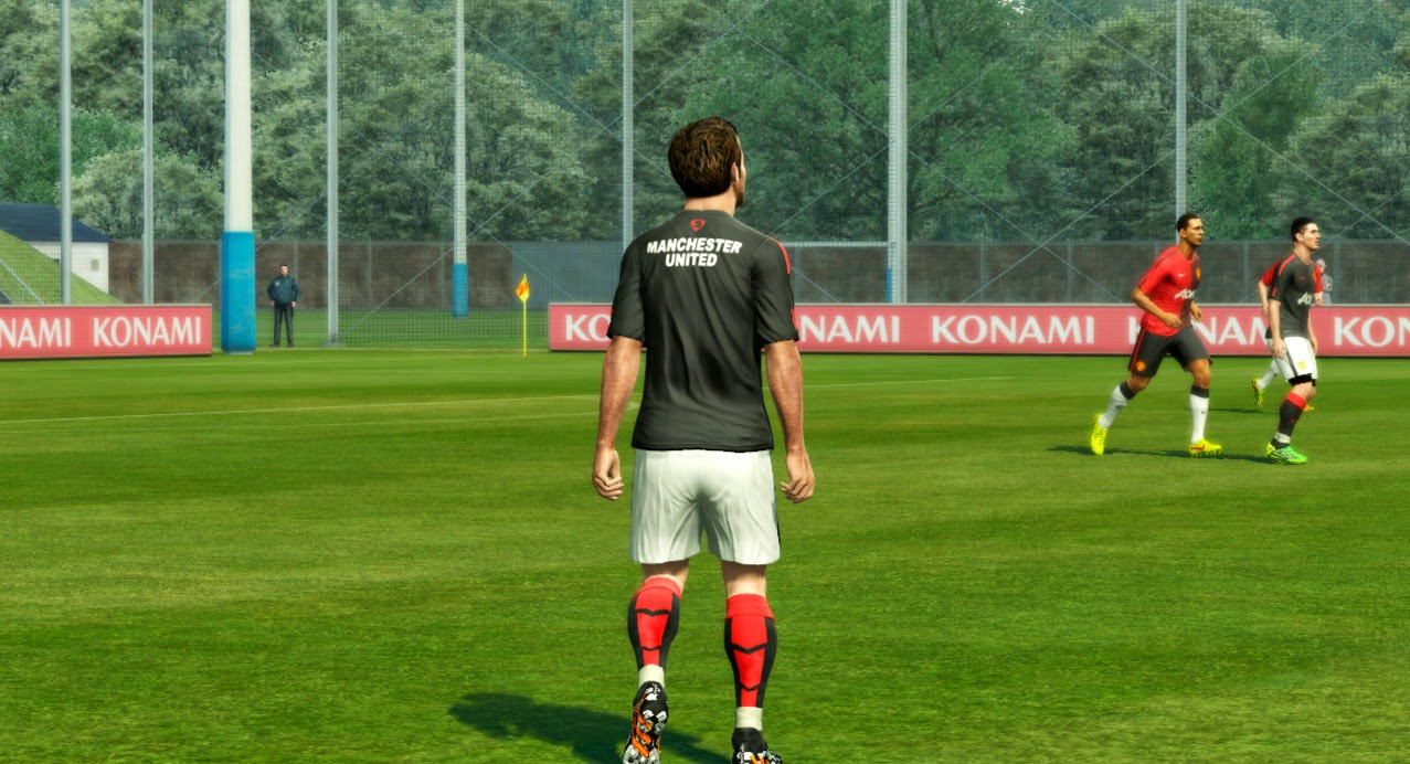 PES 2013 Manchester United Training Kits 2014-15 by ABIEL