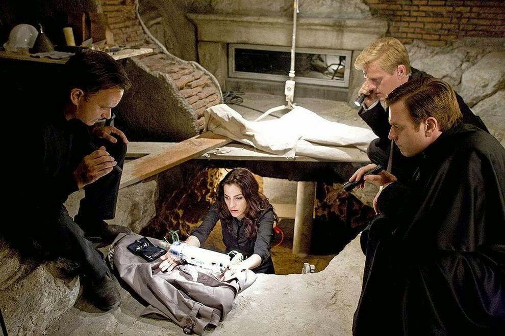 """Том Хэнкс  во время работы  «Кода Да Винчи»,  Tom Hanks during """"The Da Vinci Code"""""""