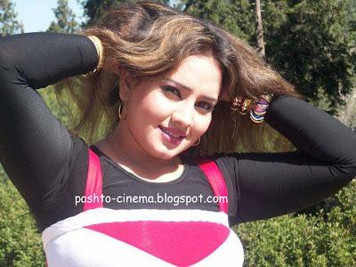 Nadia Gul Photos