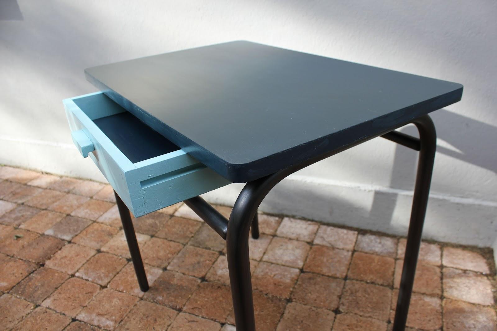 l 39 atelier des petites bauloises bureau d 39 colier. Black Bedroom Furniture Sets. Home Design Ideas