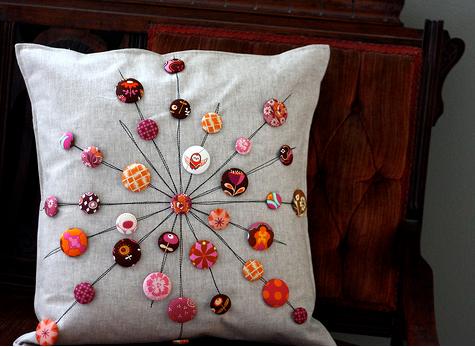 C mo usar botones en la decoraci n del hogar - Adornos para cojines ...
