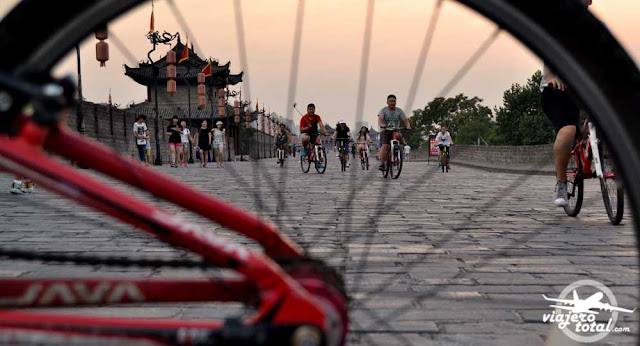 Bicicletas de alquiler en la muralla de Xi'an
