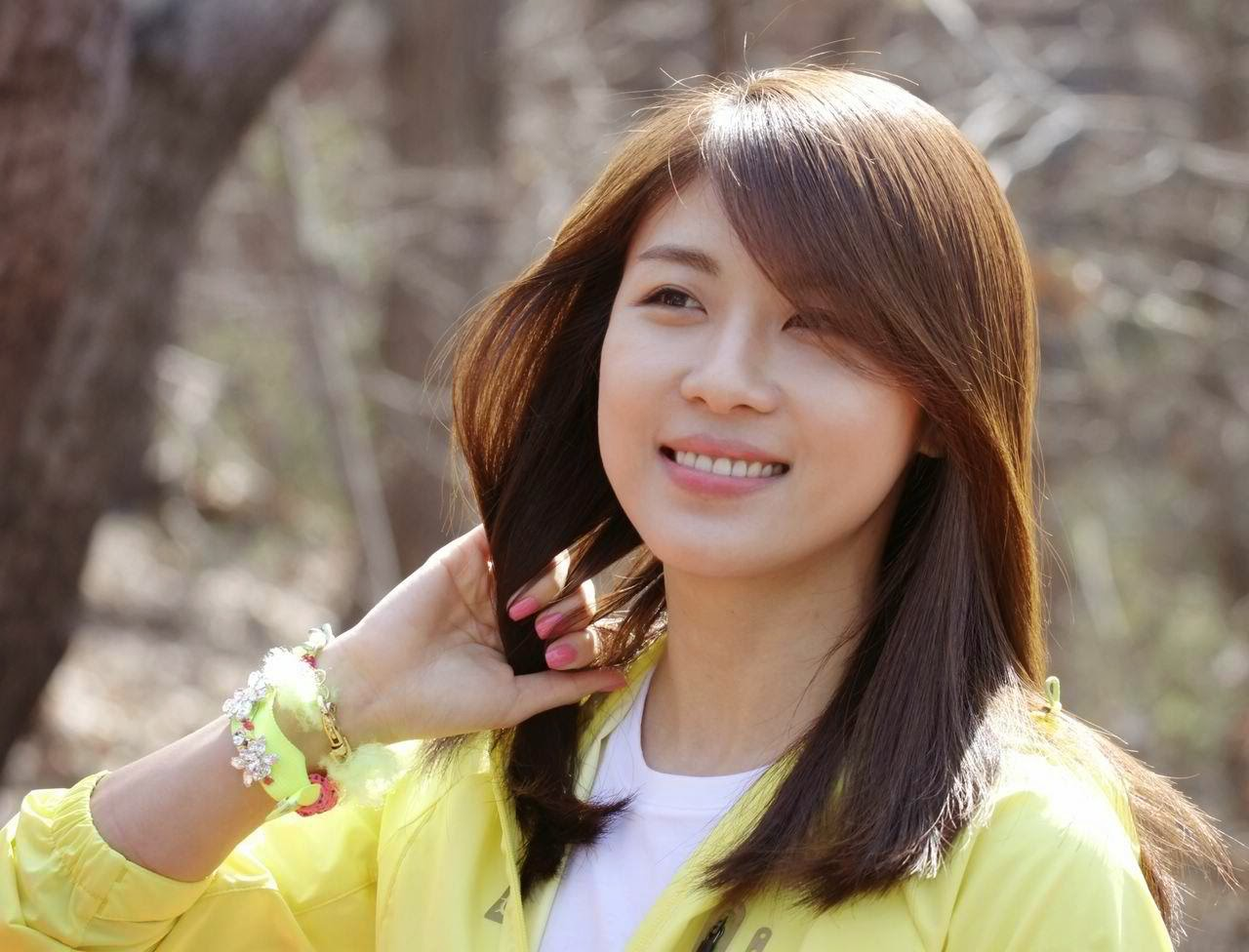 Ha Ji-won photo 005