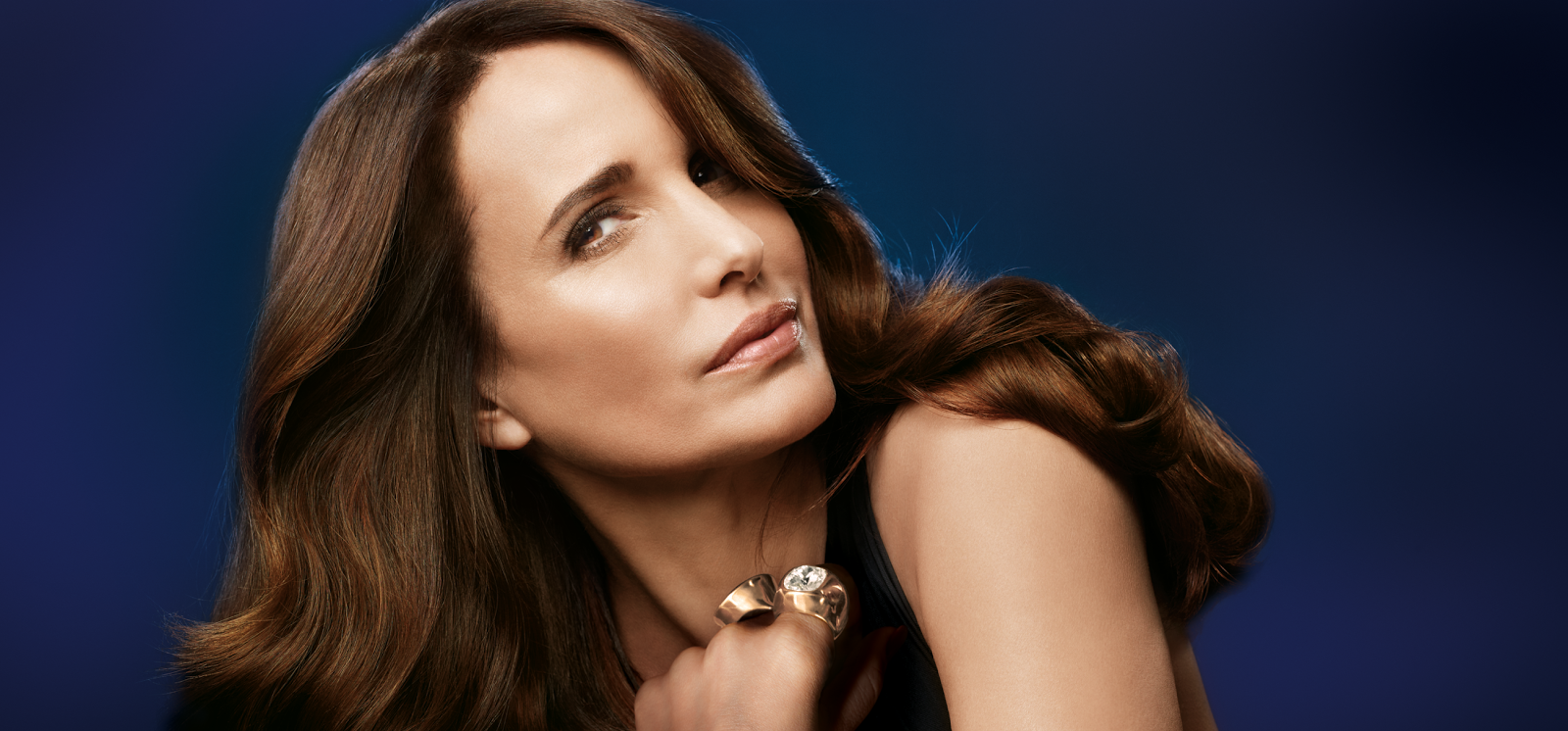 Actress Andie MacDowell wears L'Oréal Paris Visible Lift Blur Foundation