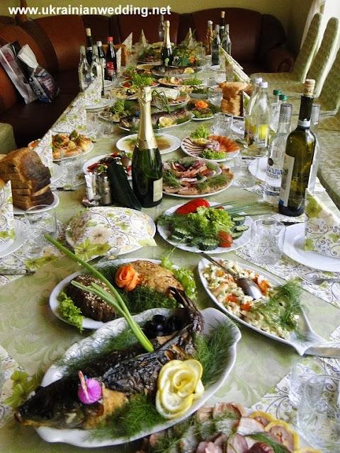 Західноукраїнський весільний стіл